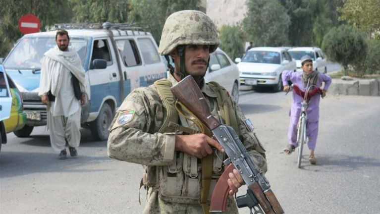 Afghan Parliament kiangah Bomb nihpuak, mi 30 kiim si ~ TK Lian