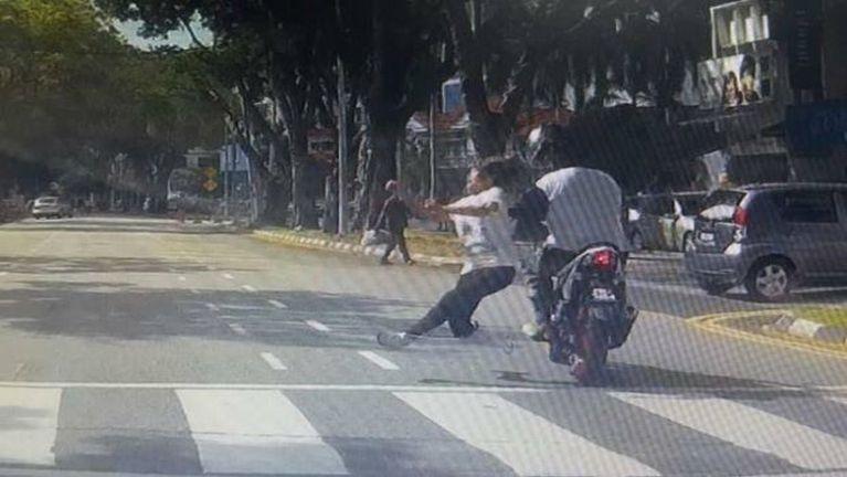 Penang ah lamzikkan numei khat Motorcycle in nawkpai in taisan vingveng ~ ZD
