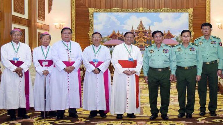 ZYA News: Min Aung Hlaing le Archbishop Charles Bo kimu